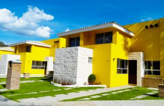 Casas de tres recámaras en Valle el Molino Residencial
